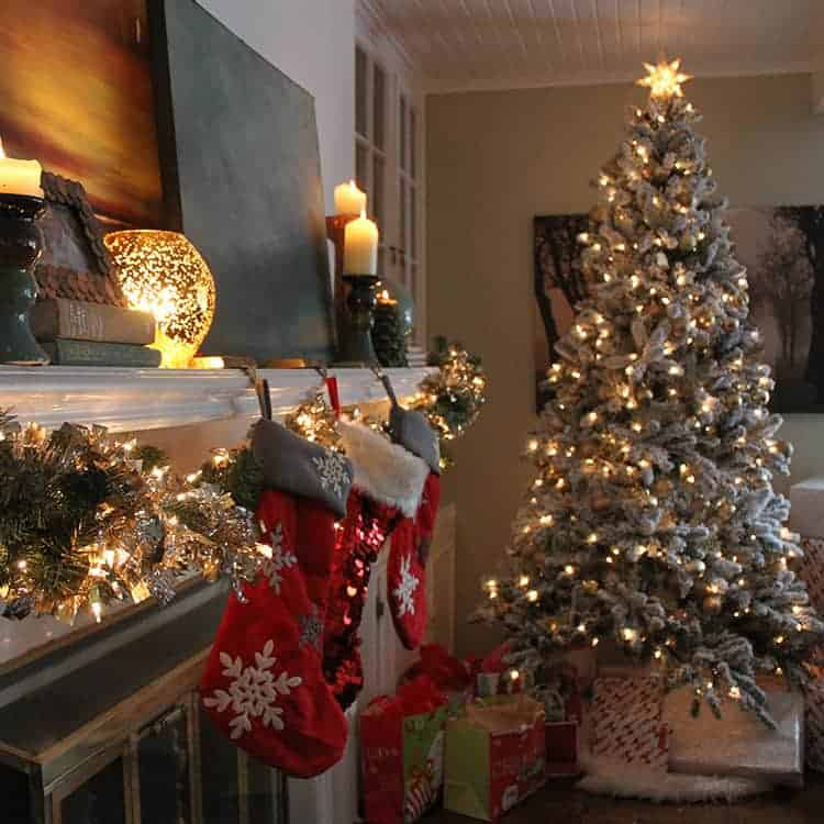 A FIXER UPPER HOLIDAY HOME TOUR