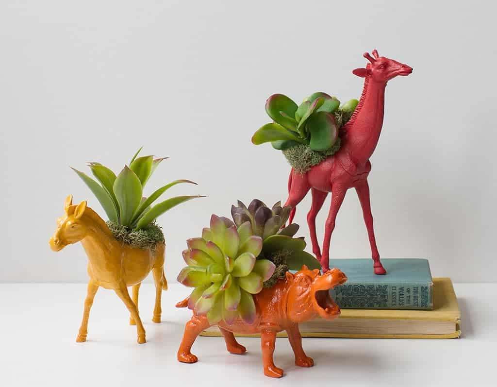 DIY  //  TOY ANIMAL PLANTERS