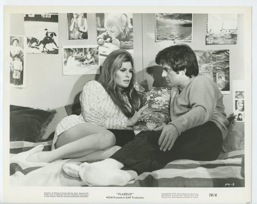 Raquel Welch James Stacy 1970 Flareup 8x10 Lobby Card