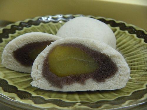 元祖栗そば饅頭 / 一個130円