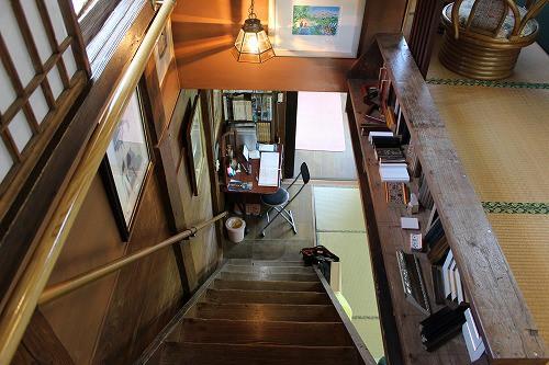 階段もそのまま。とても面白い建物です。