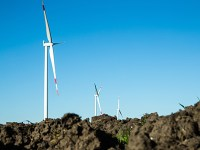 "Das Windprojekt ""Hornsdale"" entsteht im australischen Capital Territory (ACT) aus 32 direkt angetriebenen Windturbinen vom Typ Siemens SWT-3.2-113.  The Hornsdale wind project, located in the Australian Capital Territory (ACT), will consist of 32 Siemens SWT-3.2-113 direct drive wind turbines."