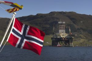 Norway Oil Workers' Strike Accelerates, Drillers Fear Loss of Contracts