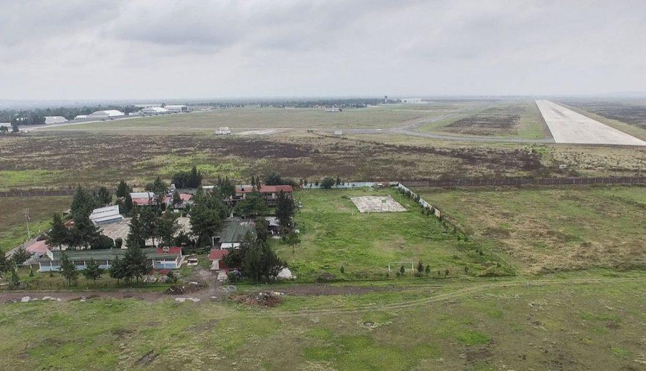 Foto: Cerro no contemplado aumentará costo del Aeropuerto de Santa Lucía, abril 23 de 2019 (Imagen: Forbes)