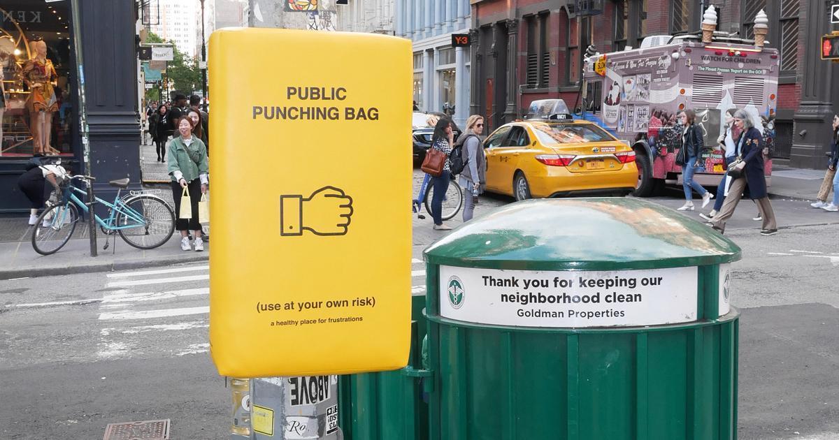Nueva York instala sacos golpear para estrés