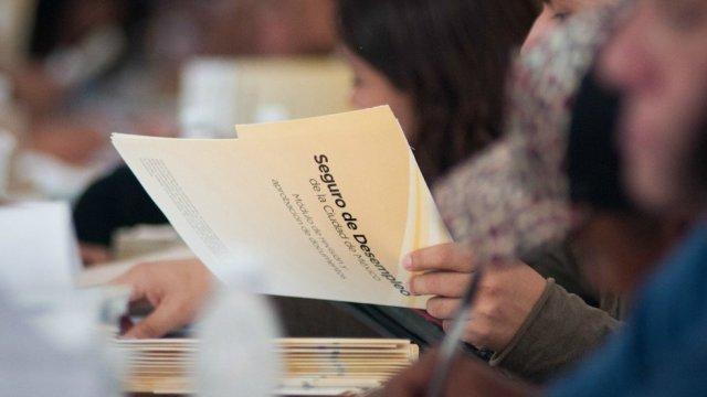 Tramite en línea seguro de desempleo