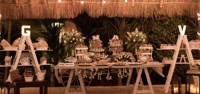 Mesa de snacks de boda