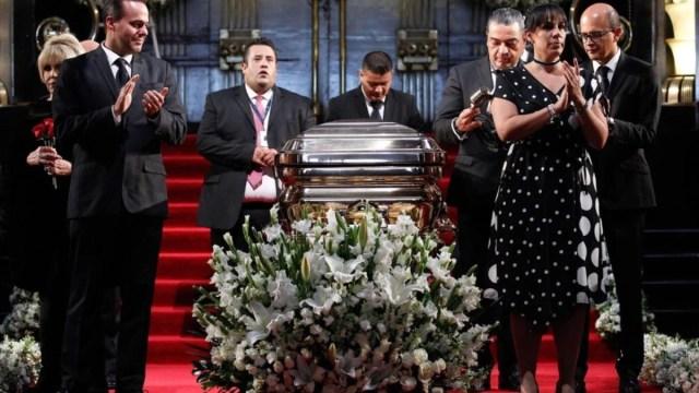 José José homenaje y llegada a México