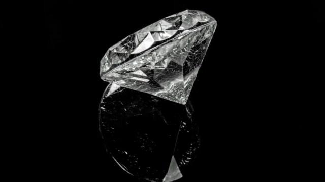 Diamante hecho de cenizas