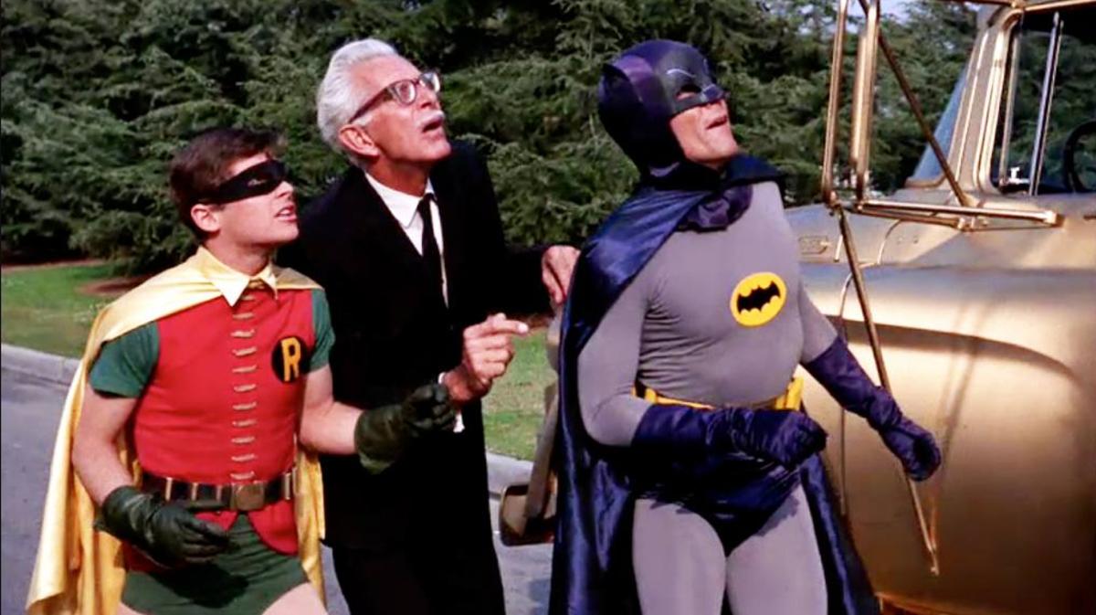 29 noviembre 2019 Trajes, batman, robin, subastados, disfraces, programa televisión, 1960, actores, personajes ficticios, serie de televisión