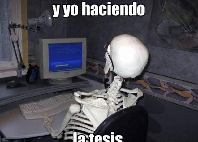 28 de noviembre de 2019, tesis Carlos Slim trabajo universitarios, meme de personas que realizan la tesis (Imagen: Especial)