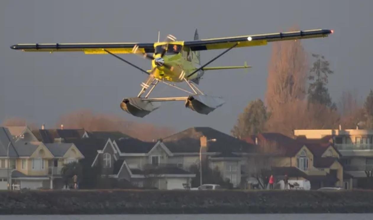 16 de diciembre de 2019, avión dinero, eléctrico, el primer avión comercial eléctrico del mundo durante su primer vuelo en Richmond, Columbia Británica (Imagen: Especial)