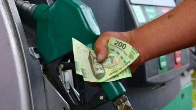 16 de diciembre de 2019, gasolina, gasolinera, consumidores, consumidores mexicanos cargan gasolina en estaciones de servicio (Imagen: Especial)