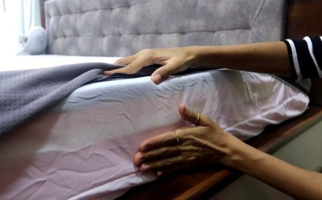 2 de diciembre de 2019, sueño, dinero, empleo, acomodan las sábanas de un colchón (Imagen: Especial)