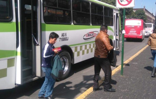 19 de diciembre de 2019, dinero, transporte, Edomex, finanzas personales, descienden pasajeros del transporte público en el Estado de México (Imagen: Especial)