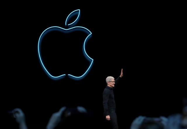 16 de enero 2020, Compra de acciones de Apple, Apple, Tecnología, Persona, Empresario, Hombre, Marca