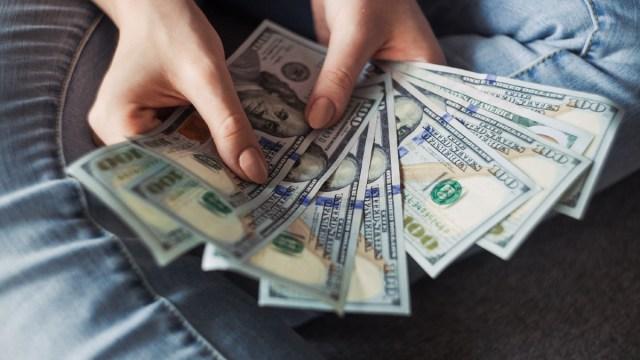 10 enero 2020, Regala millones de dólares, Dólares, Billetes, Dinero, 100 dólares