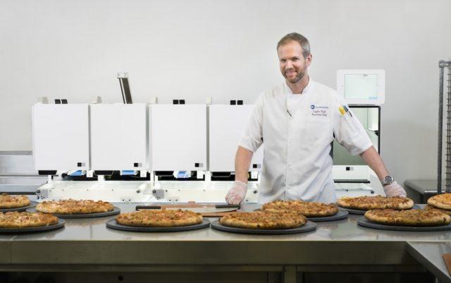 8 de enero de 2020, pizzas, robot, negocio, prueba de producción de alimentos con este robot (Imagen: Especial)