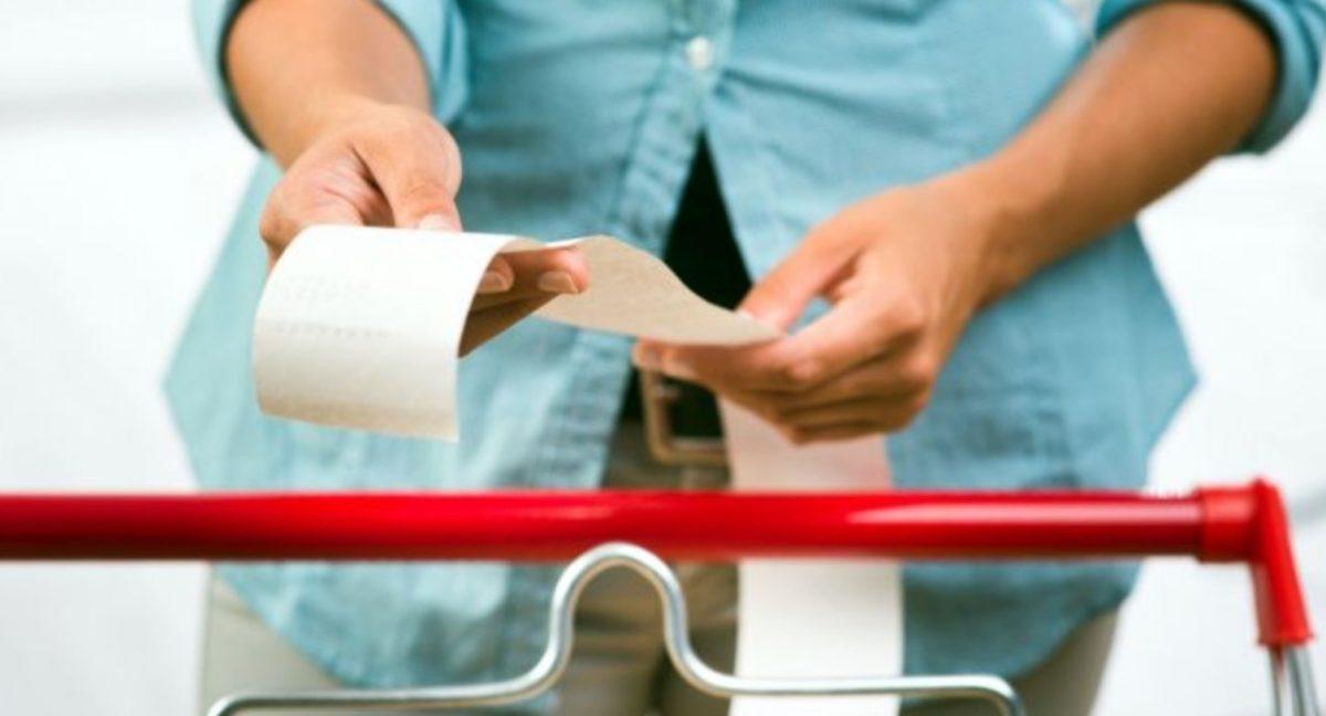 19 de febrero de 2020, una persona con su factura instantánea
