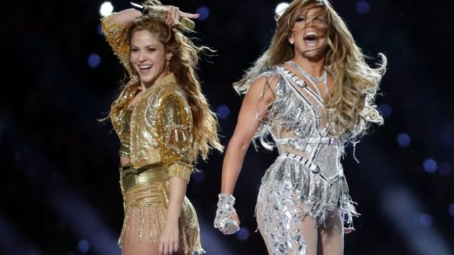 14 de febrero de 2020, el show de JLo y Shakira en el Super Bowl (Imagen: Twitter @Bramlev_)