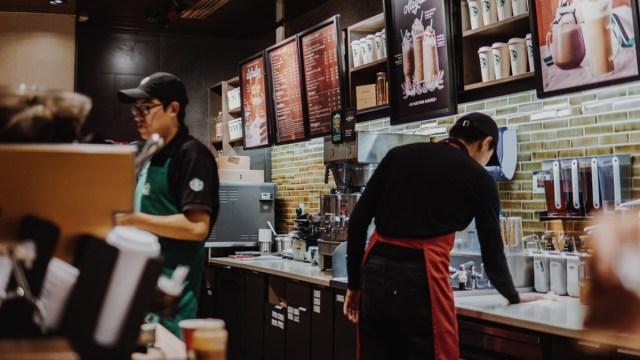 20 de marzo 2020, Recorte de personal Starbucks , Starbucks, Alsea, Trabajadores, Empleo, México, Coronavirus