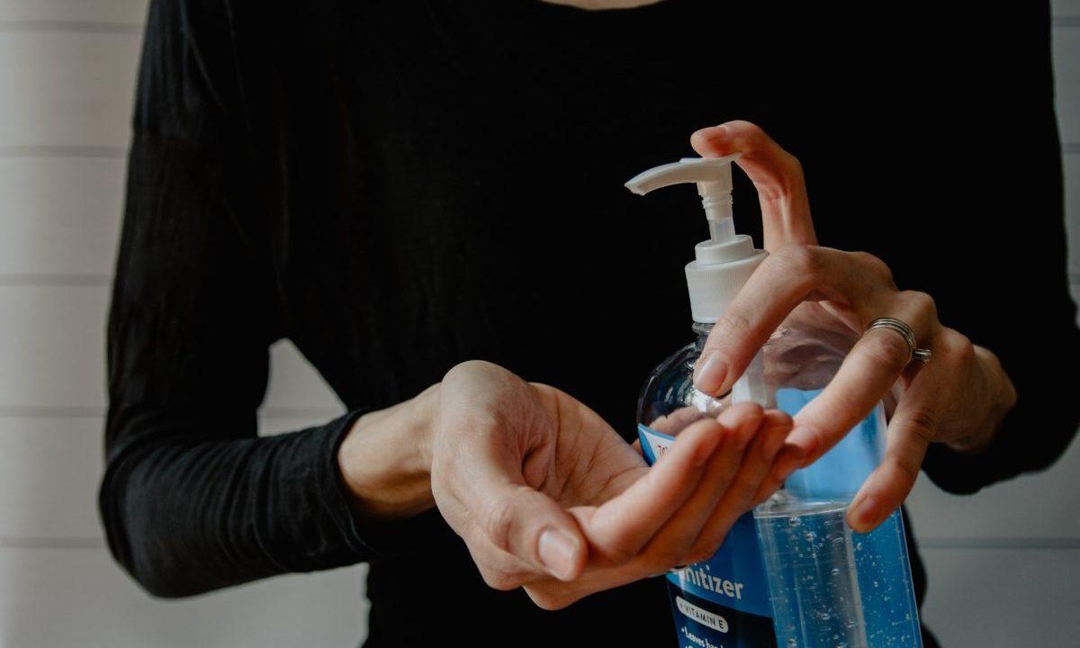 producto de gel antibacterial (Imagen: Unsplash)