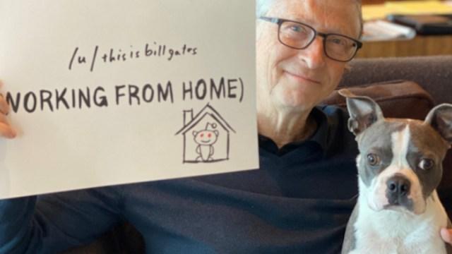 Bill Gates en casa por el coronavirus (Imagen: Twitter @BillGates)