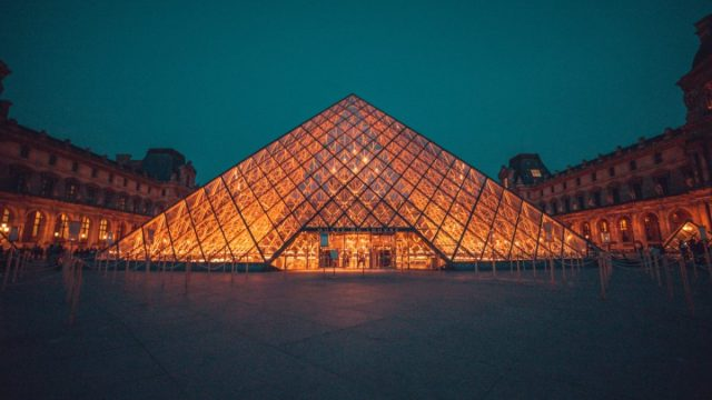 El Louvre, Francia (Imagen: Unsplash)