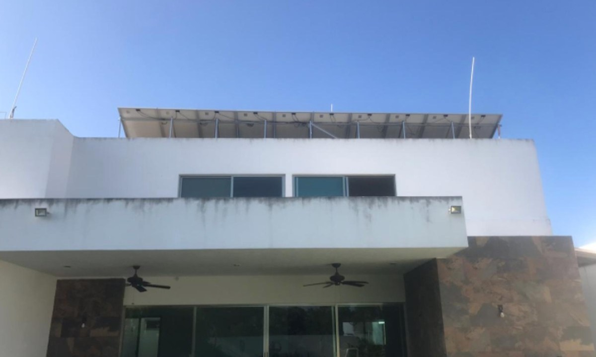 Paneles solares en casa (Imagen: Twitter @sflorezgomez)
