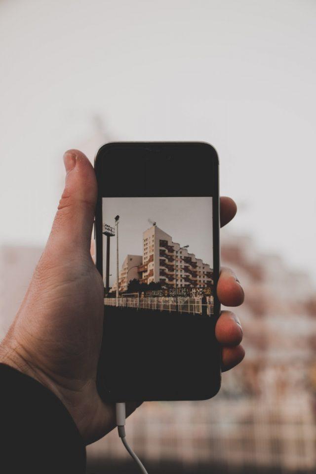 Fotografías con celular (Imagen: Unsplash)