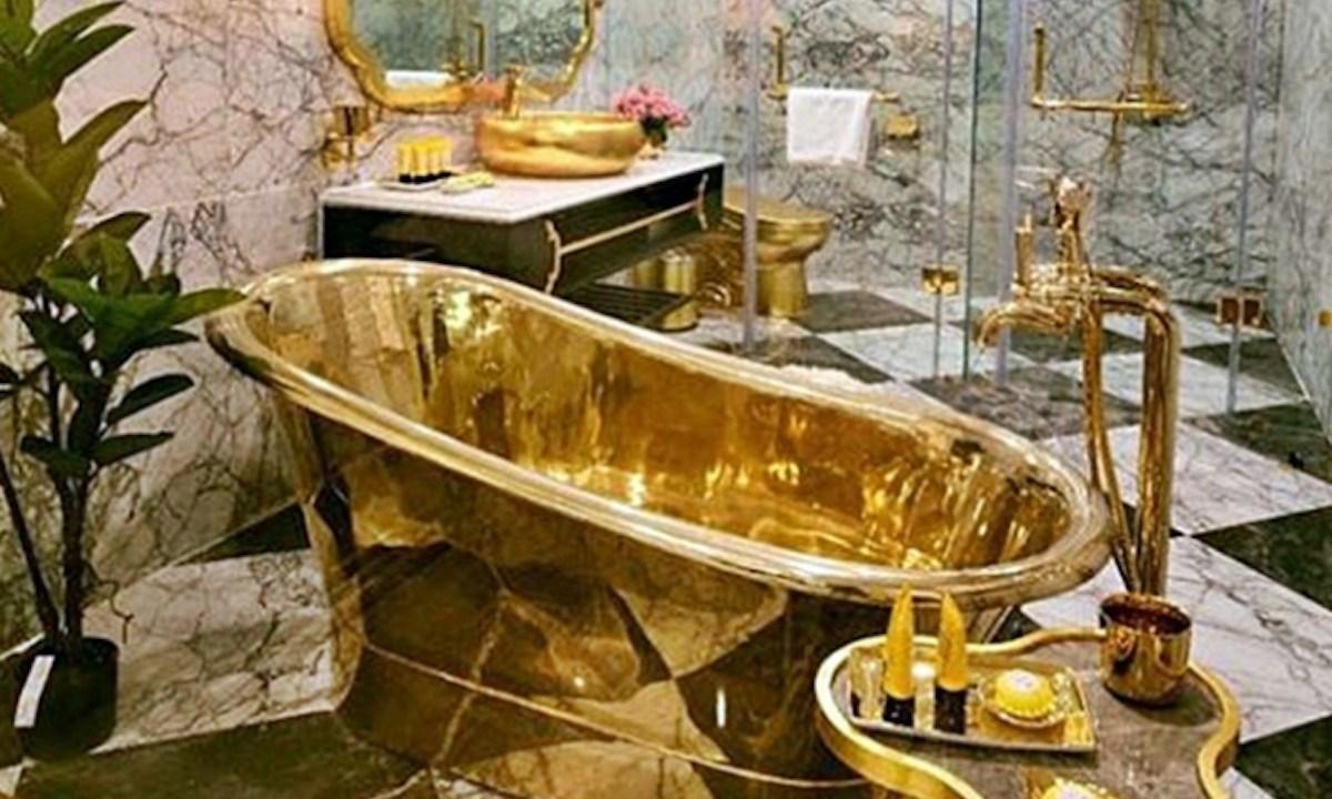Bañera de oro en hotel de Vietnam (Imagen: Btimesonline)