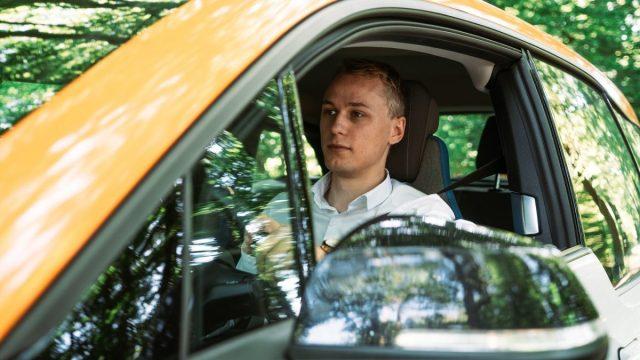 ¿Piensas comprar un automóvil híbrido o eléctrico? Te decimos las ventajas