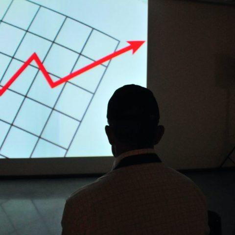 Banxico podría bajar su tasa referencial a su menor nivel en cuatro años: especialistas