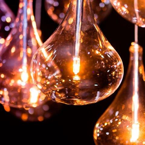 ¿Cómo puedo pagar mi recibo de la luz por internet?