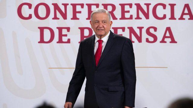 Presentará AMLO iniciativa de reforma si no puede rescatar a Pemex y CFE