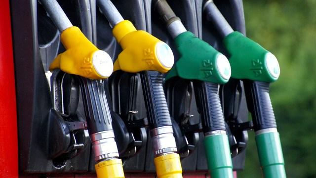 precio de gasolina, despachadores de gasolina, bomba de gasolina