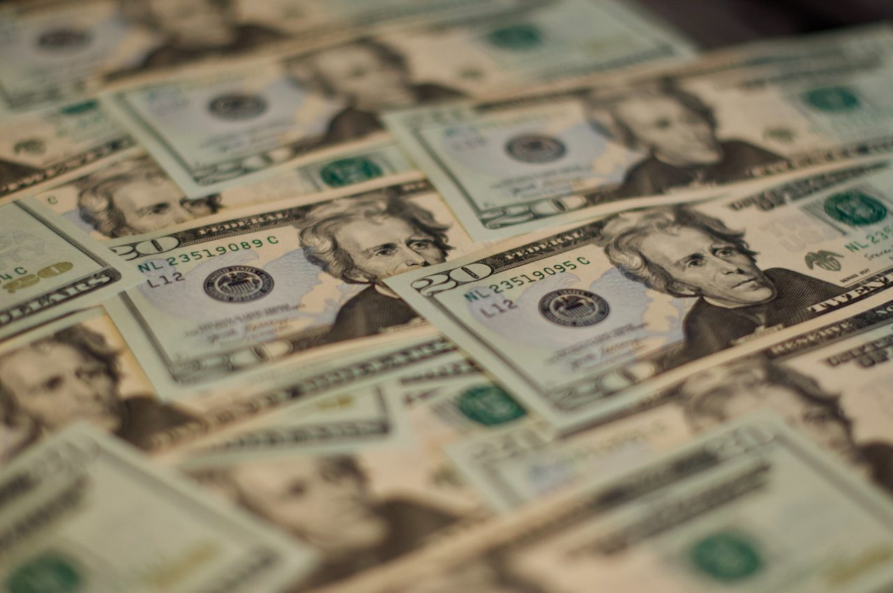 Sube el dólar como consecuencia de las nuevas medidas