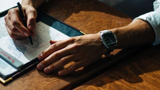 Notas a mano benefician la productividad (Imagen: unsplash)