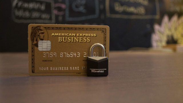 ¿Por qué no deberías dejarte llevar por el límite de crédito de tu tarjeta?