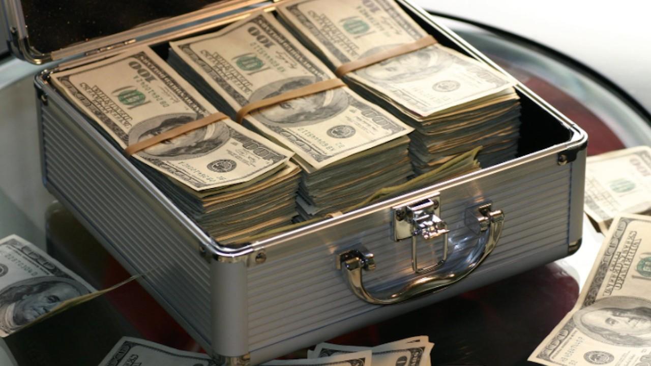 Dinero de millonarios (Imagen: pexels)