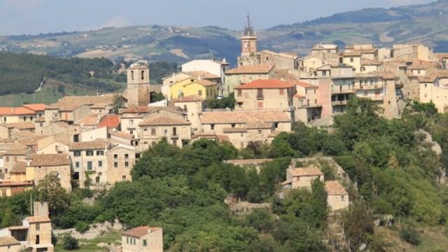 Castropignano pueblo de Italia ofrece casas en venta en un euro