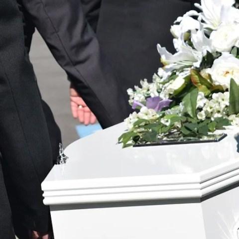 Recibirán apoyo de gastos funerarios familias con personas fallecidas por Covid-19 (Imagen: pixabay)