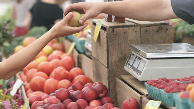 Inflación queda en 3.33% en noviembre y regresa al rango objetivo del Banxico