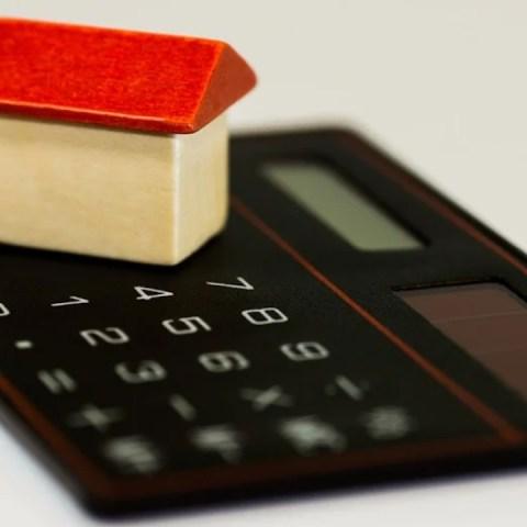 Invertir dinero en construir casas prefabricadas (Imagen: pixabay)