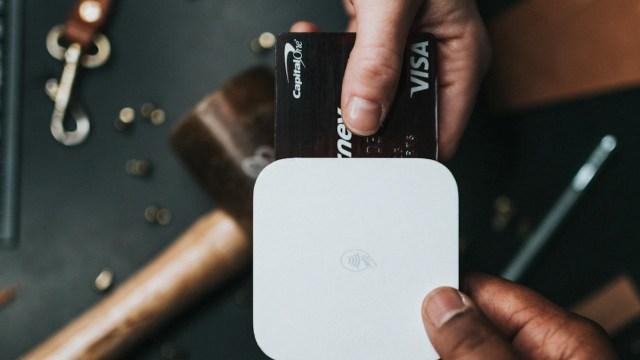 Pagar tarjeta de crédito (Imagen: unsplash)