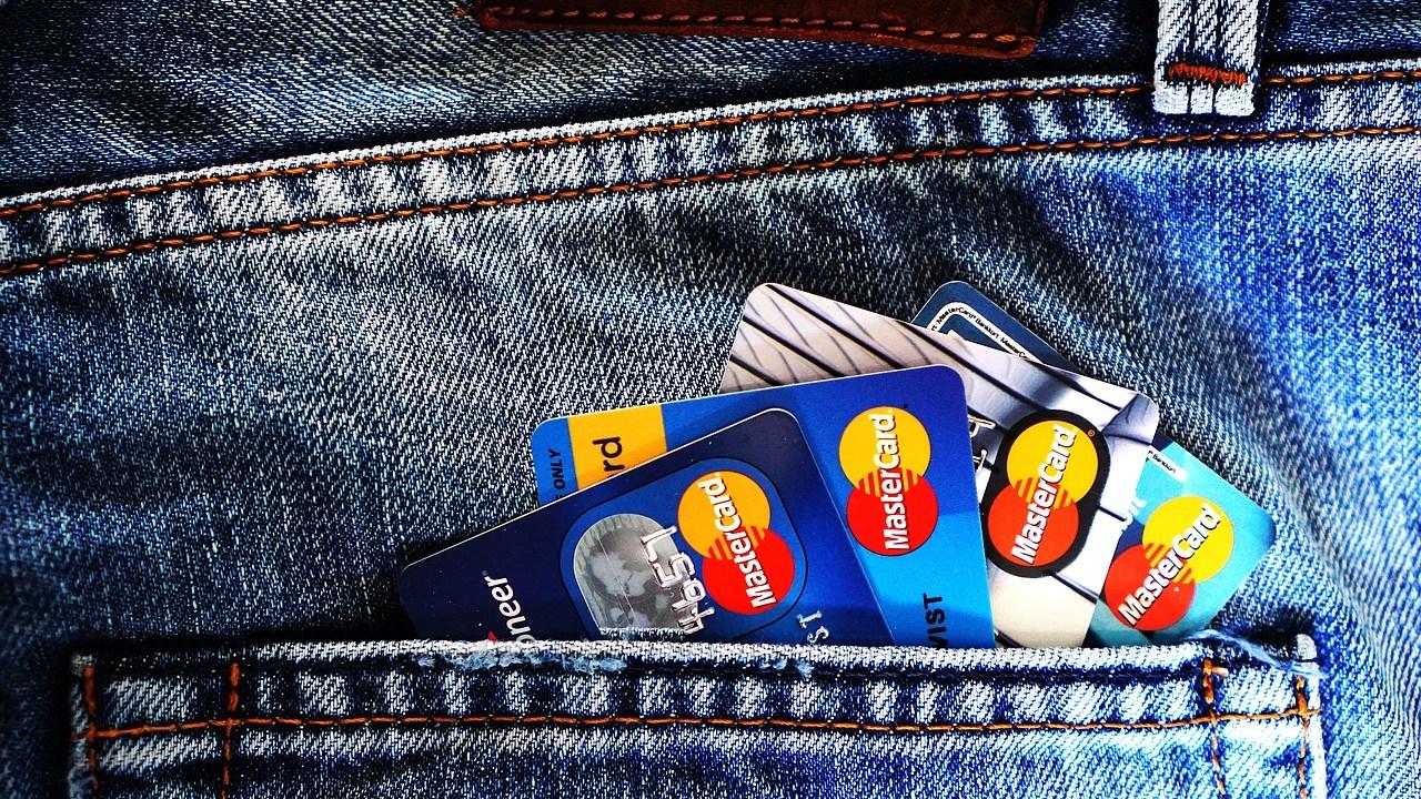 ¿Por qué deberías tener más de una tarjeta de crédito?