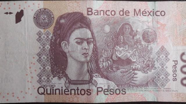 Gobierno de México anunció un aumento en las becas y pensiones