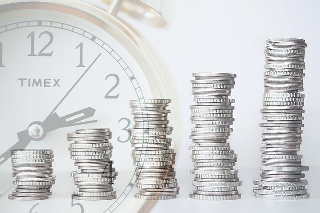 Gracias a la inversión en las casas de bolsa con el paso del tiempo puedes hacer crecer tu dinero