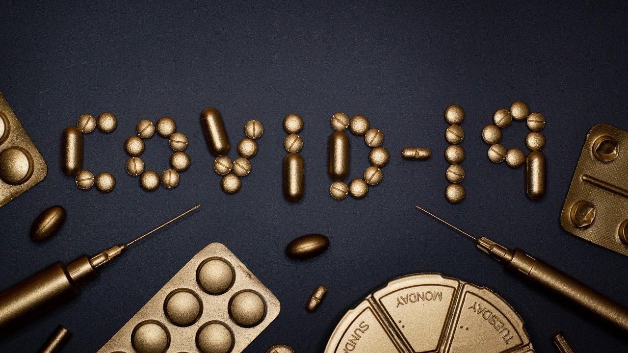 Tiendas de autoservicio y farmacias se ofrecen a aplicar vacuna contra coronavirus