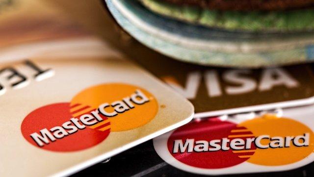Salen de circulación 1.6 millones de tarjetas de crédito en 2020: CNBV